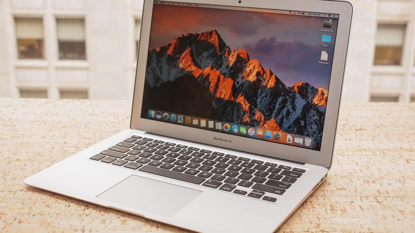 nen mua macbook air hay pro